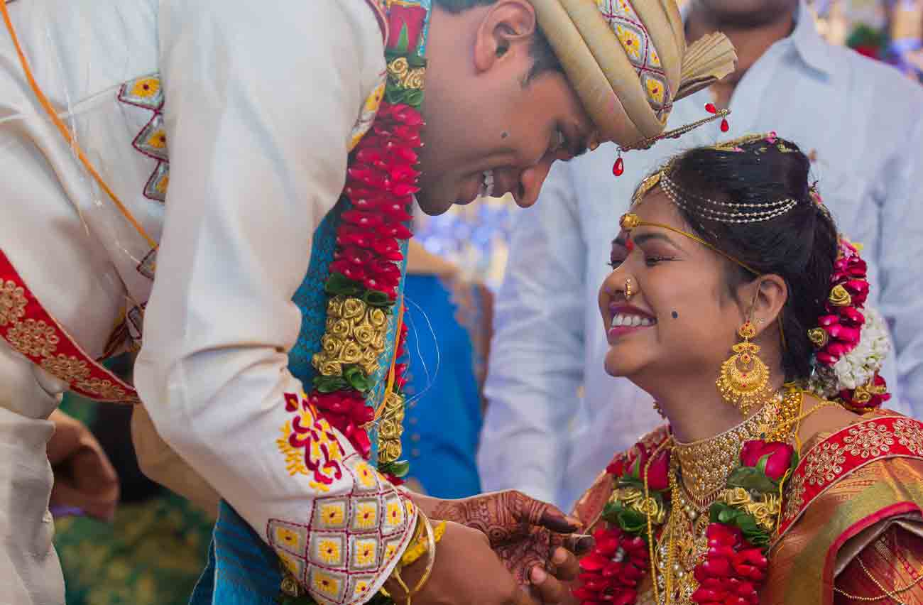 ritual-wedding-marriage-telugu-candid-vshoot-smile