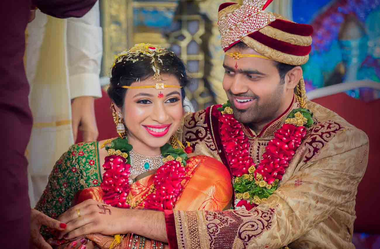 tying-knot-wedding-south indian-candid-love-smile-vshoot