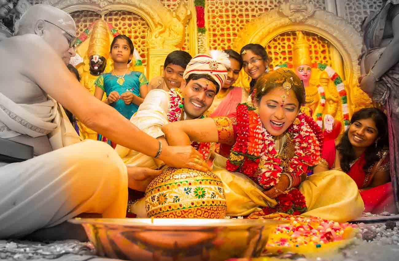 vshoot candid indian wedding photography
