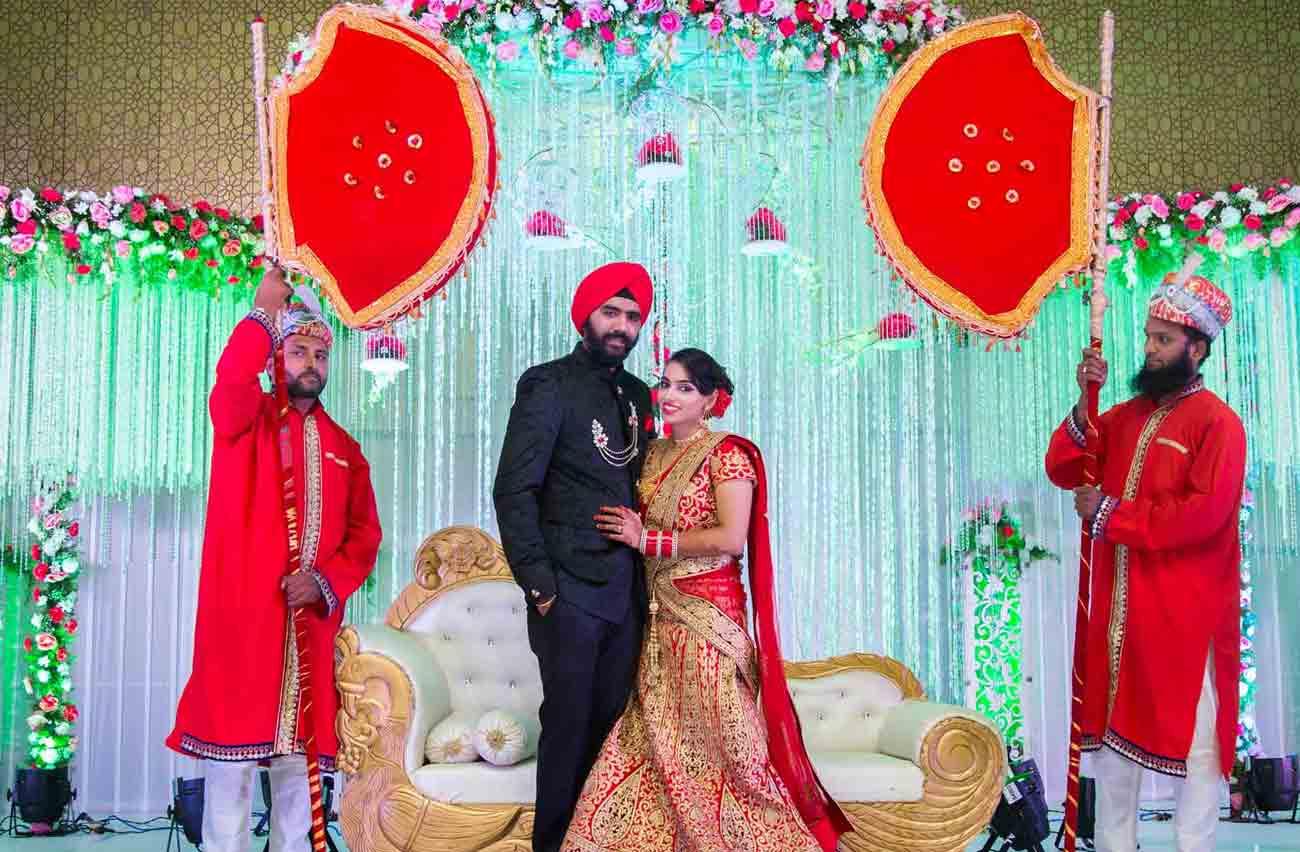 punjabi-wedding-pose-smile-love-married-vshoot
